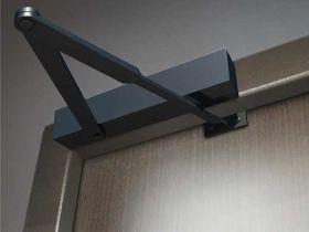 Преимущества установки и выбор доводчиков дверей, межкомнатных дверей