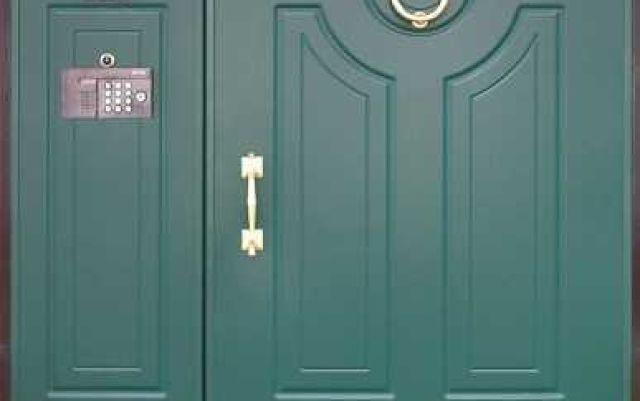 Какими бывают и для чего нужны тамбурные металлические двери