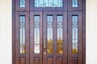 Где и как можно использовать входные двери со стеклом