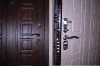 Детальные советы о том, как выбрать железную дверь в квартиру