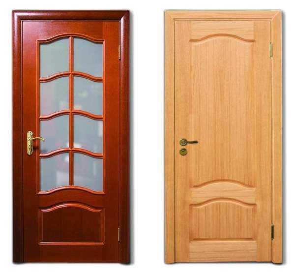 Деревянные окрашенные двери