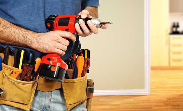 Заранее подготовленные инструменты ускорят ремонт входных дверей