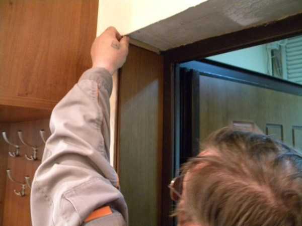 Монтаж доборов в проёме межкомнатных дверей
